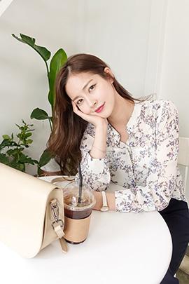 apricot flower, blouse