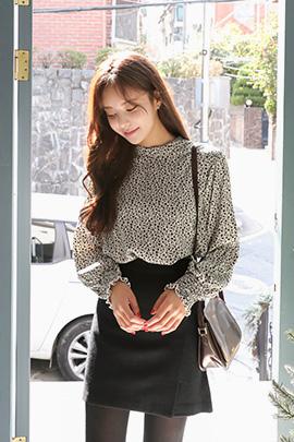kiwi type, blouse