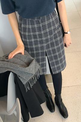 scale born, skirt
