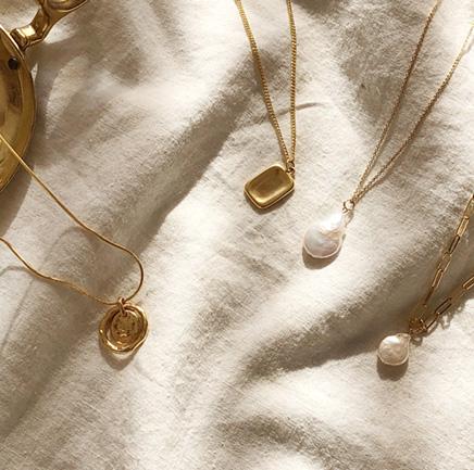 saint gold, necklace