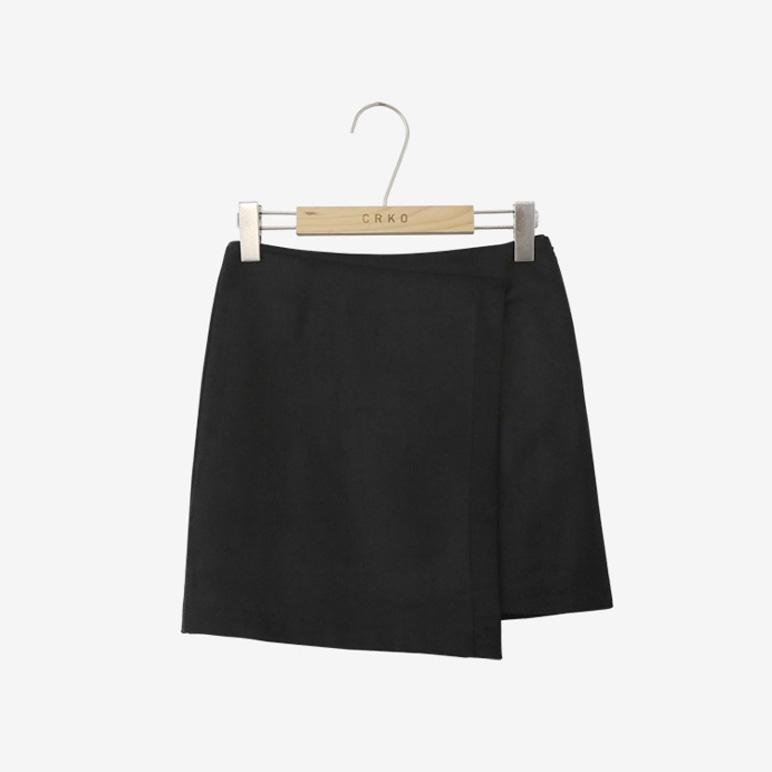 life line on, skirt