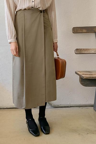ピンタックボタンスカート