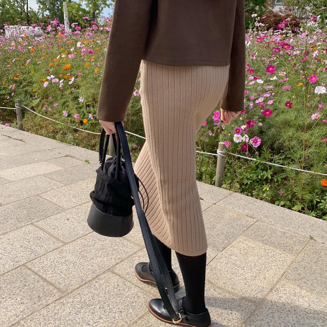 Hラインニットスカート