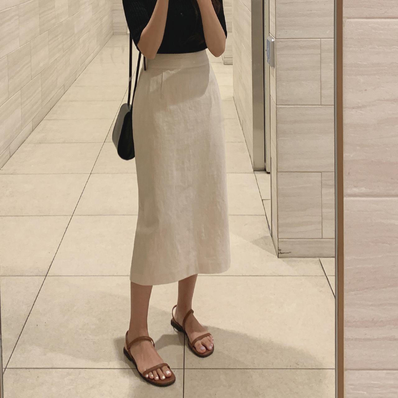 simple midi skirt