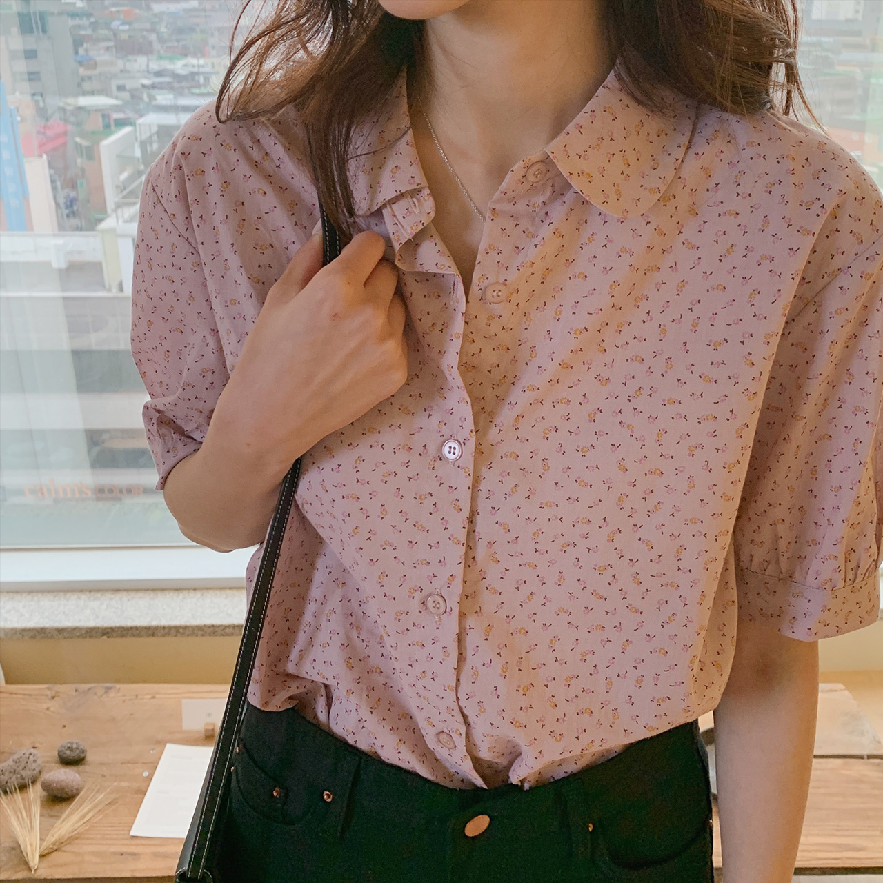 Girlish pattern blouse