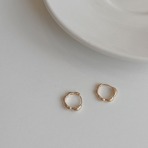 Wave Gold earring